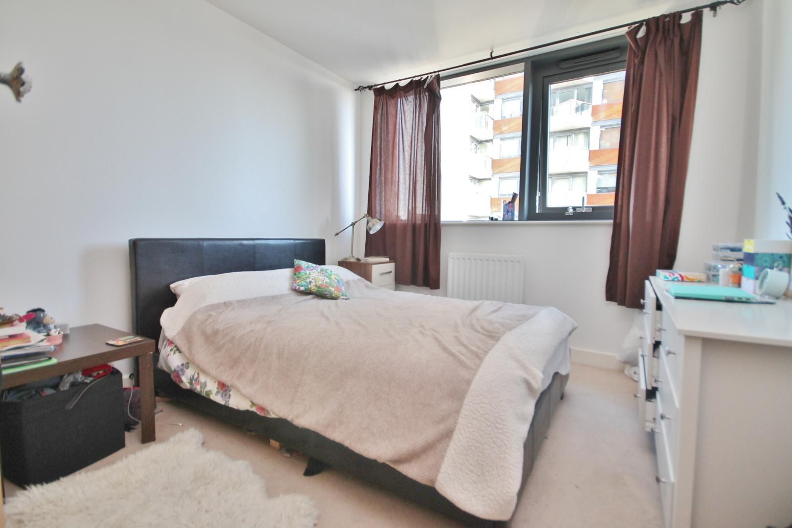 1 bed flat to rent in Blackwall Way  - Property Image 6