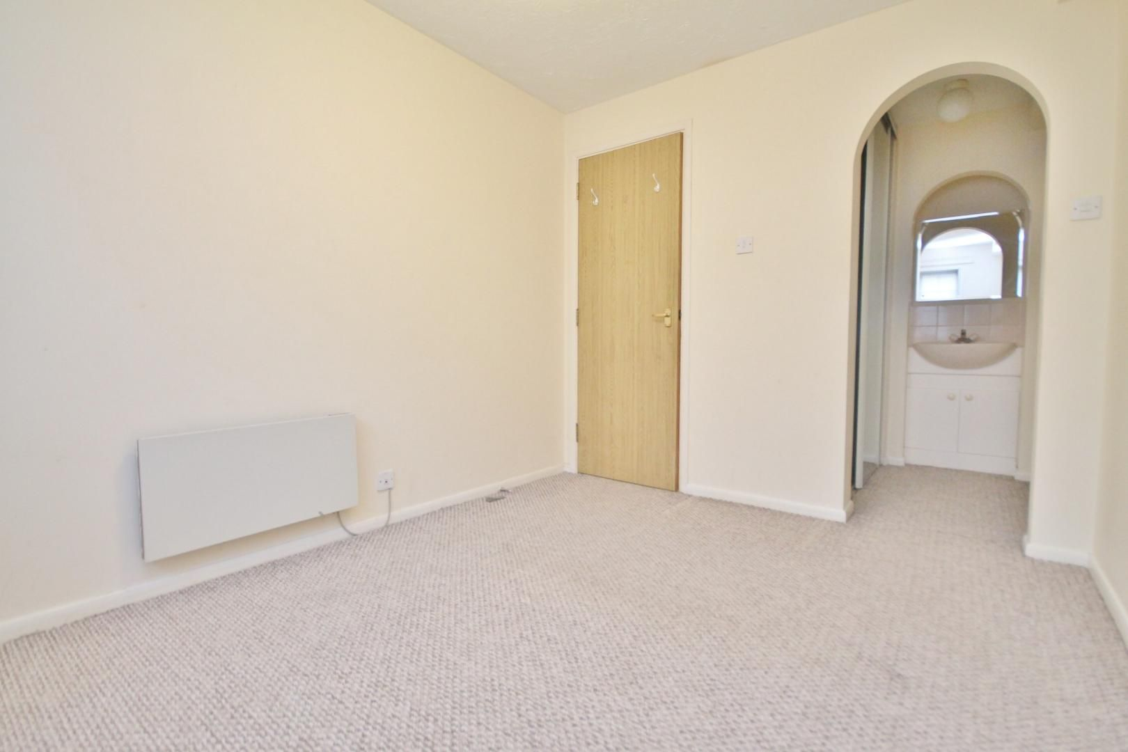 2 bed flat for sale in Tyndale Court  - Property Image 4