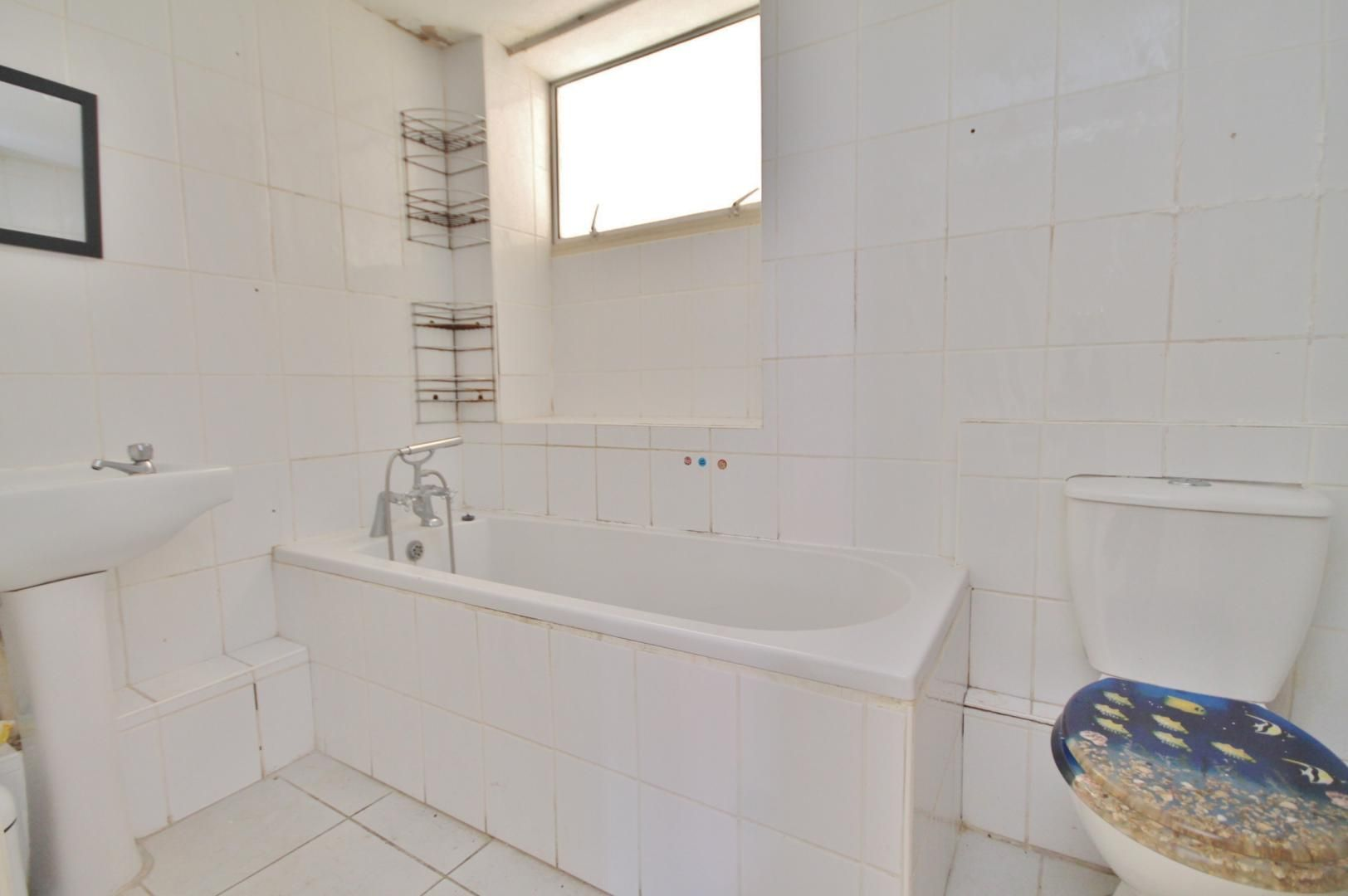 3 bed house for sale in King George Avenue  - Property Image 4