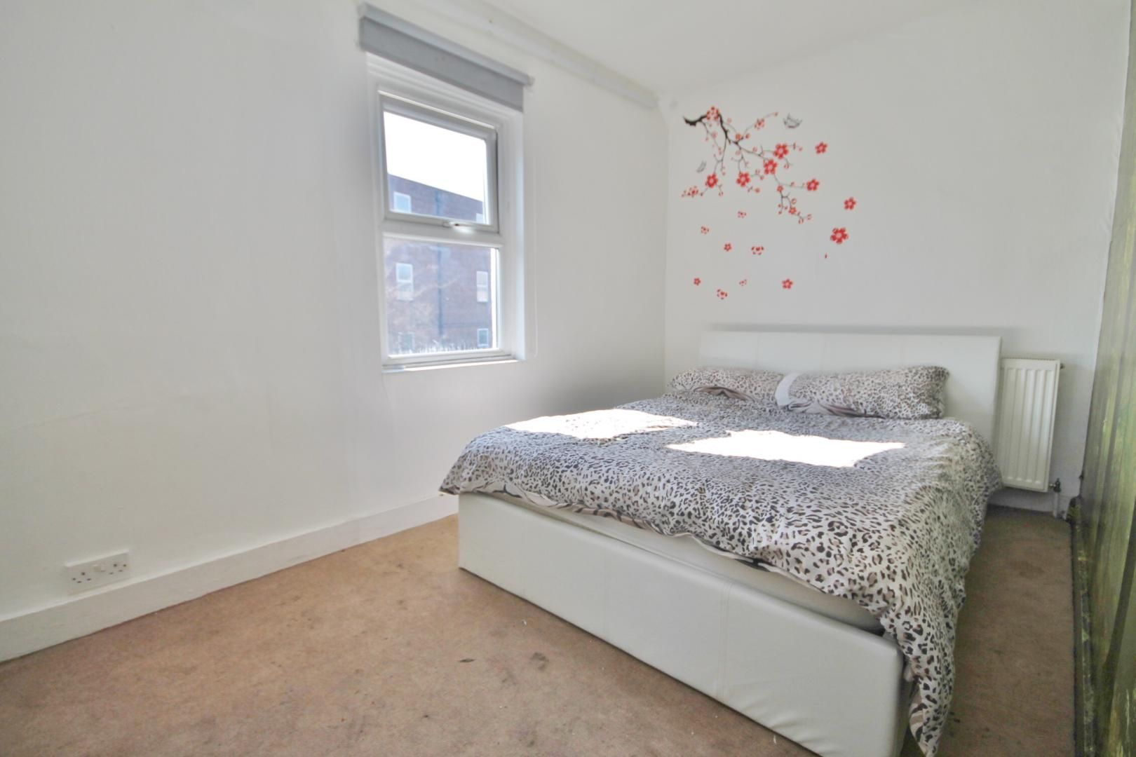 3 bed house for sale in King George Avenue  - Property Image 6