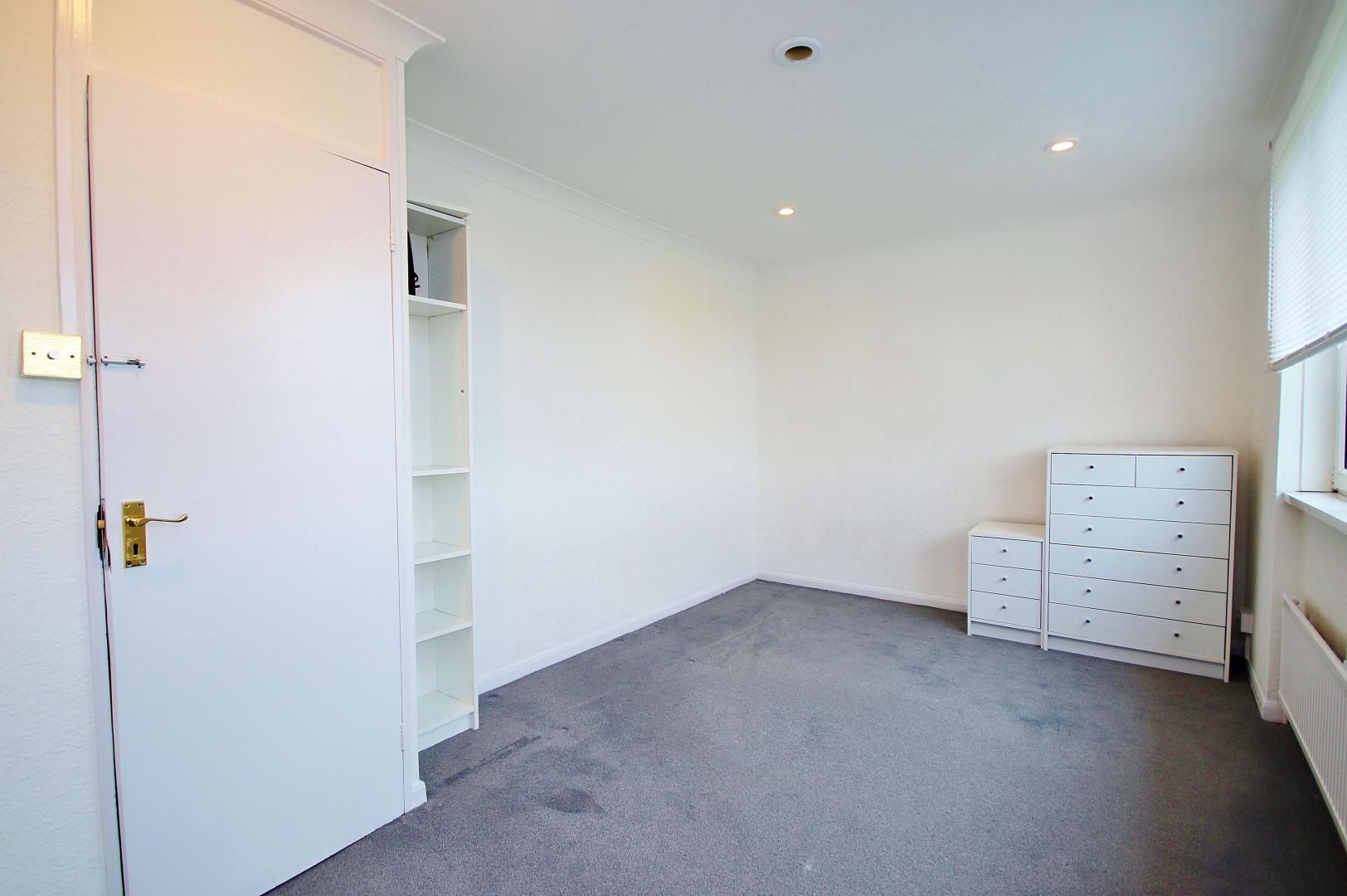 3 bed flat for sale in Stebondale Street  - Property Image 6