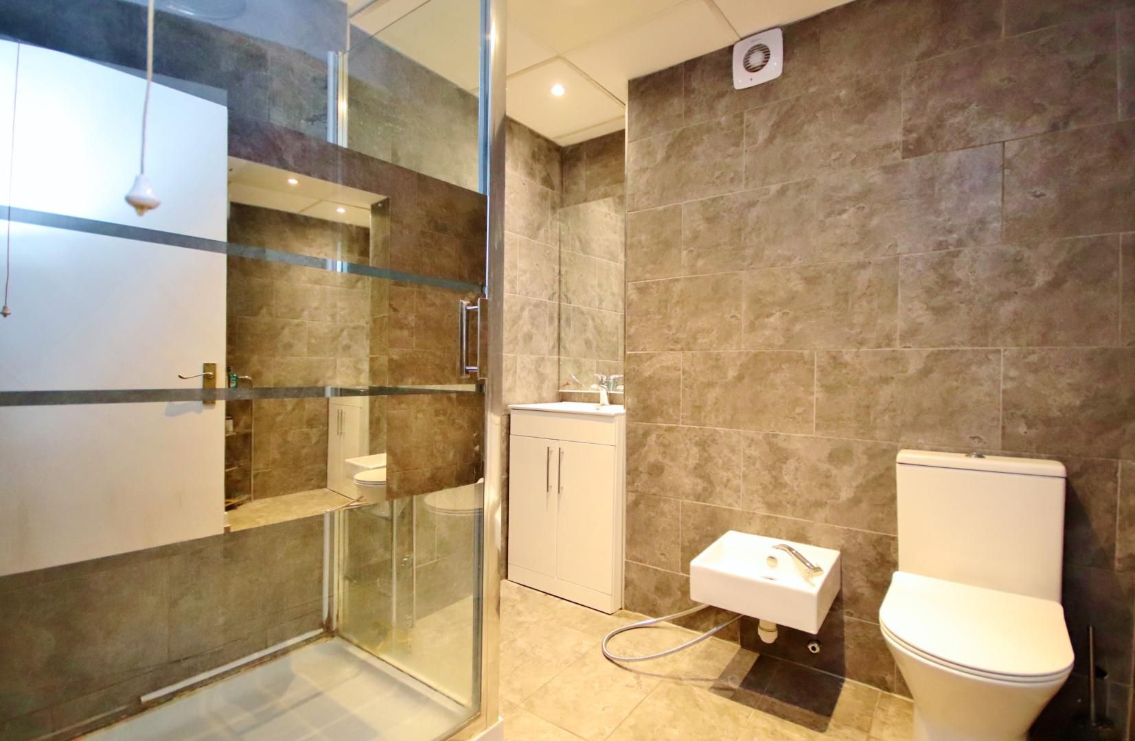 3 bed flat for sale in Stebondale Street  - Property Image 7