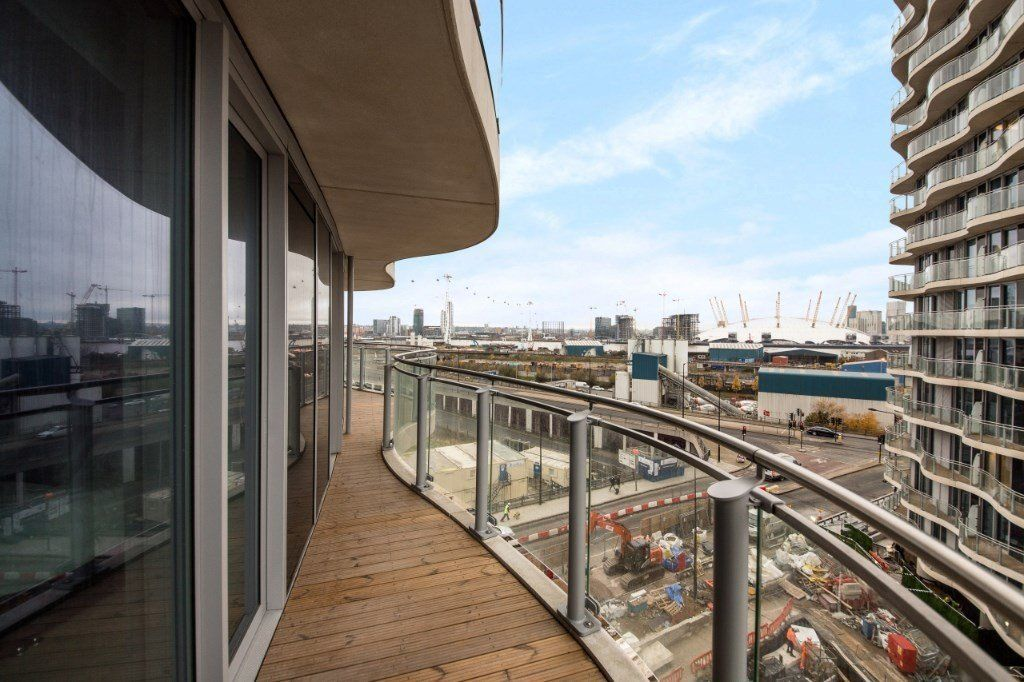 2 bed flat for sale in Hoola Tower West  - Property Image 7
