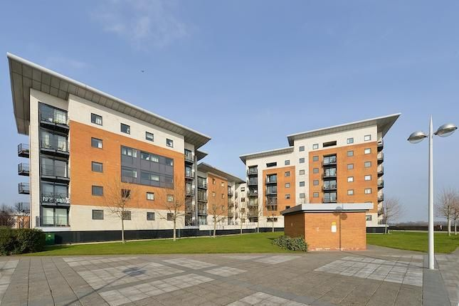 2 bed flat for sale in Felixstowe Court, E16