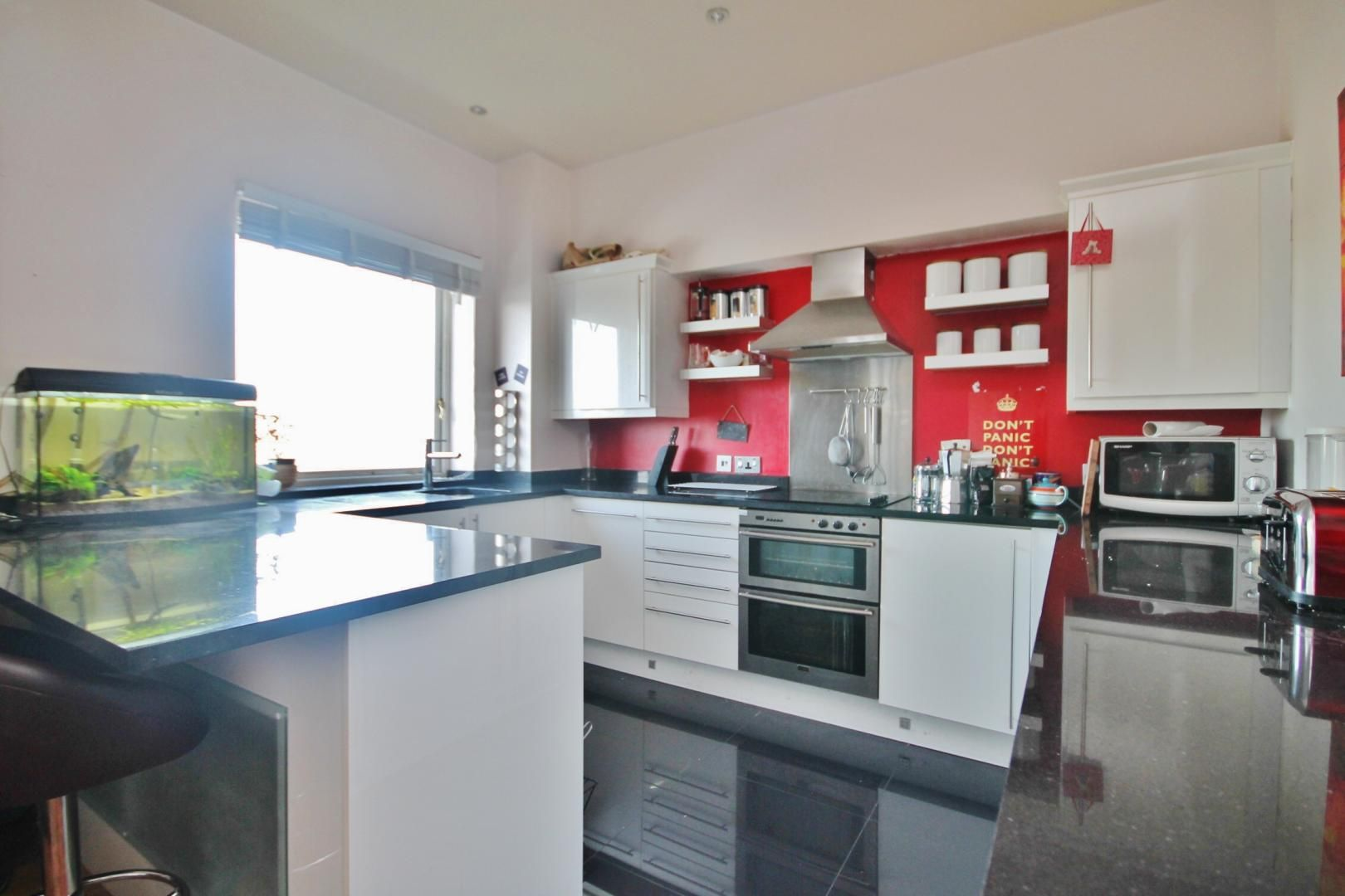 2 bed flat for sale in Felixstowe Court  - Property Image 3