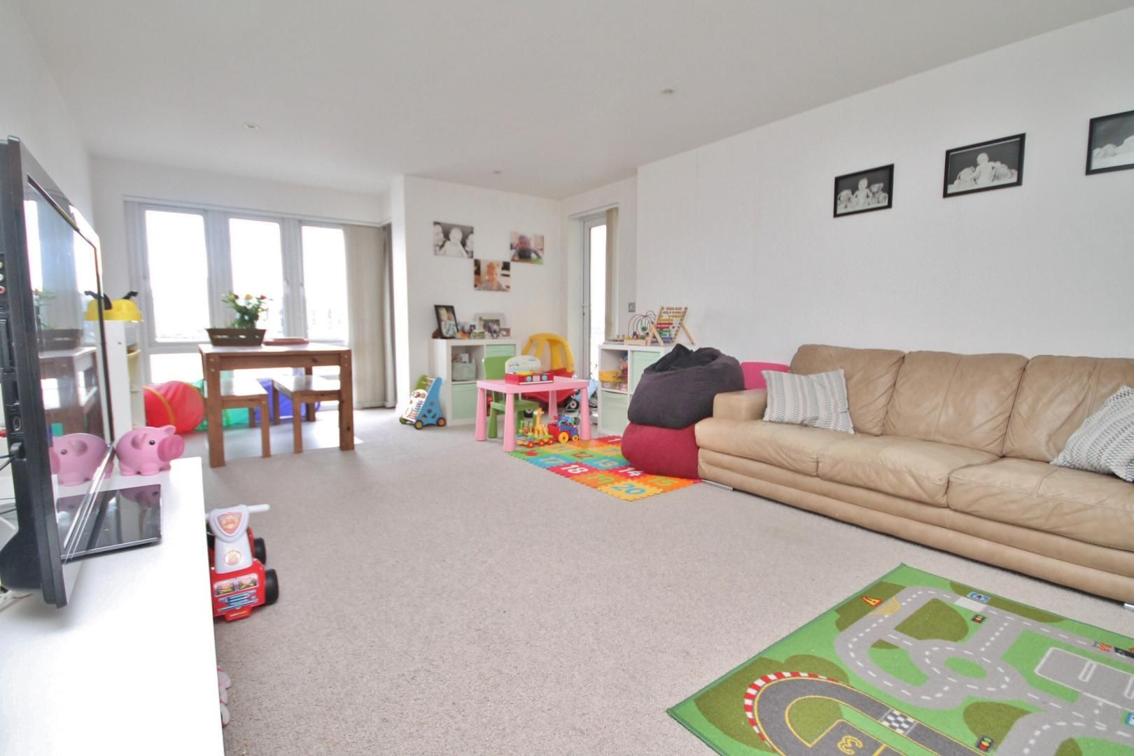 3 bed flat to rent in Kirklands House  - Property Image 7