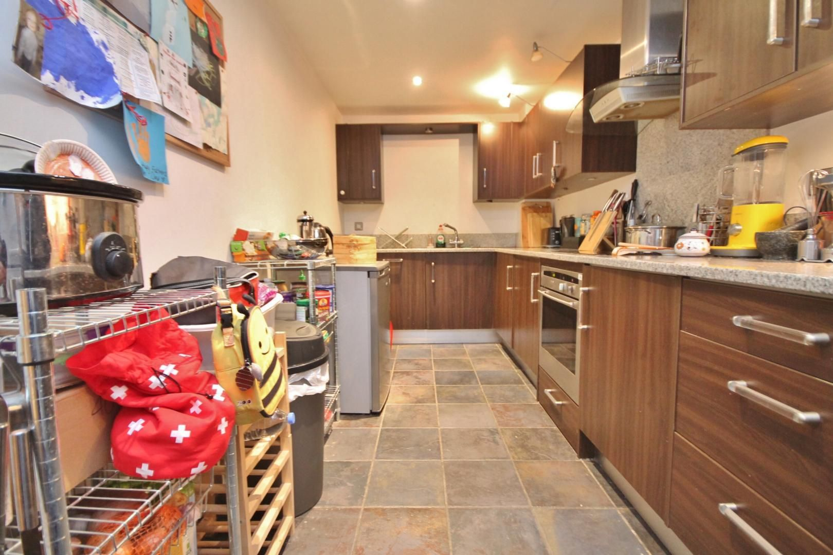3 bed flat to rent in Kirklands House  - Property Image 8