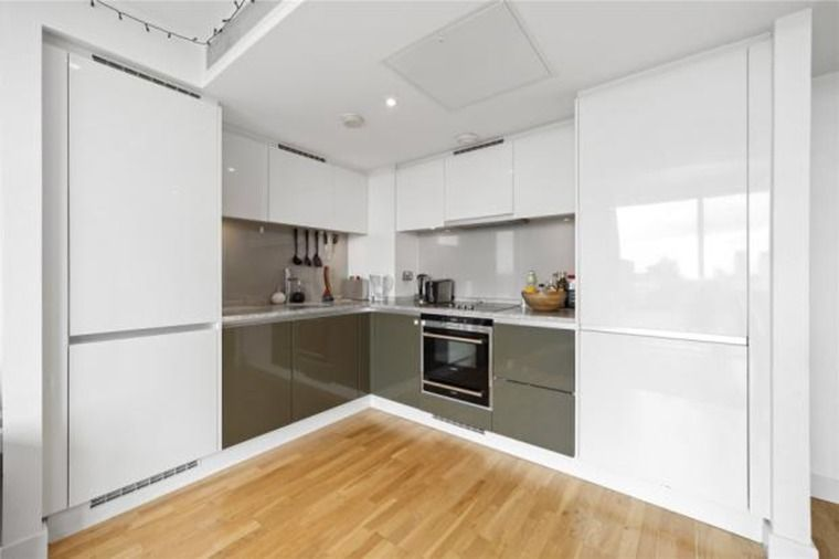 1 bed flat to rent in Marsh Wall  - Property Image 2