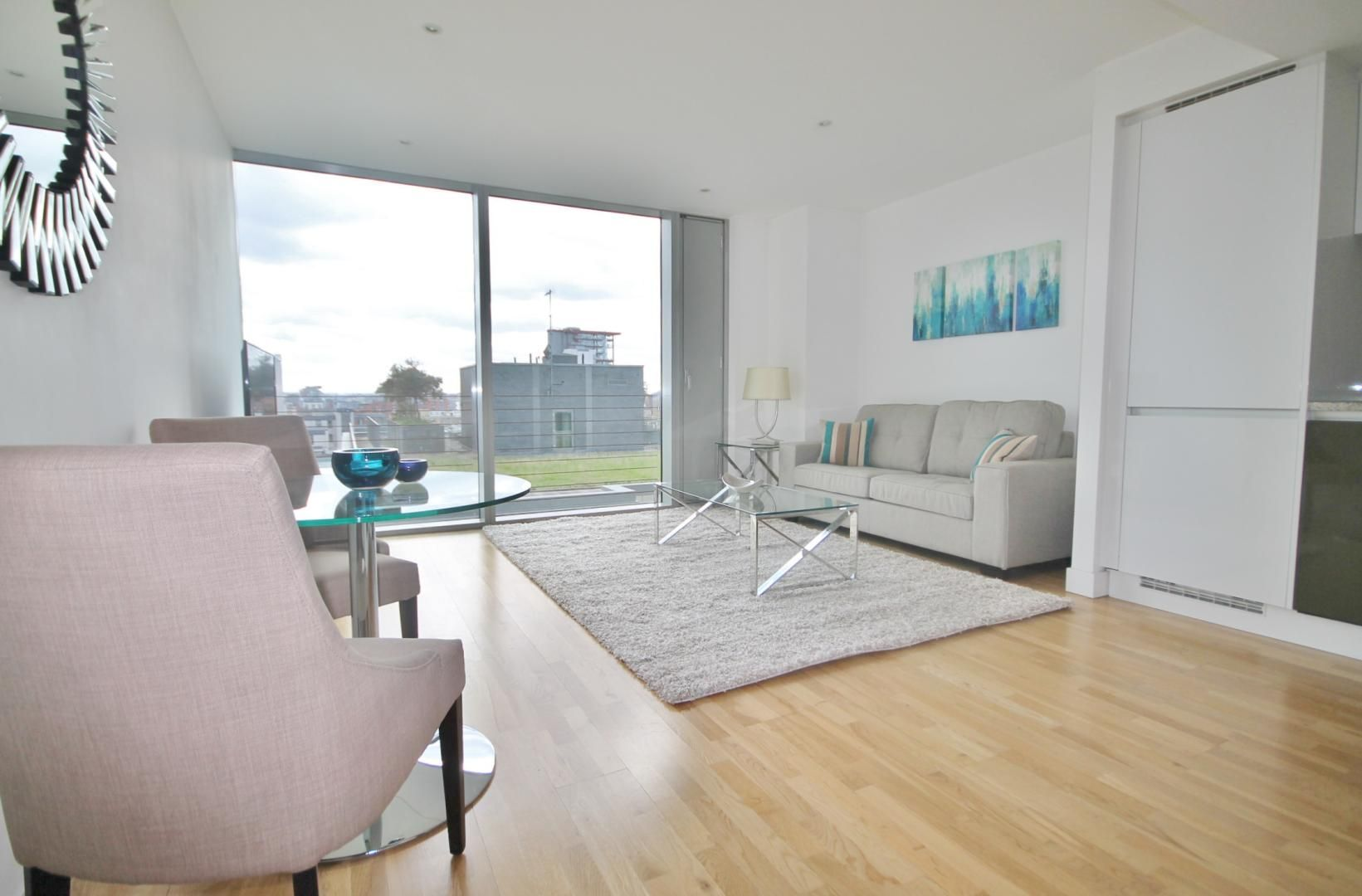 1 bed flat to rent in Marsh Wall  - Property Image 4