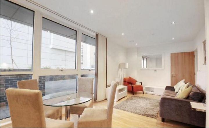 2 bed flat to rent in Admiral Tower  - Property Image 2
