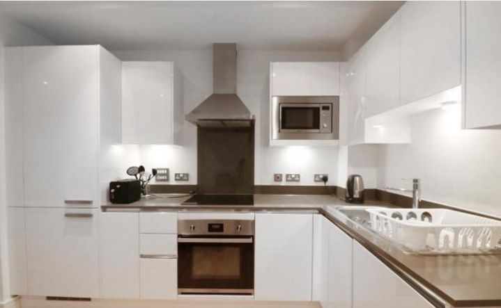 2 bed flat to rent in Admiral Tower  - Property Image 3
