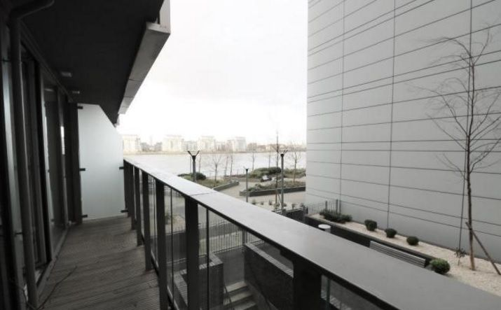 2 bed flat to rent in Admiral Tower  - Property Image 4