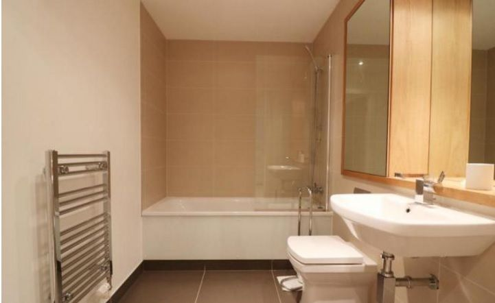 2 bed flat to rent in Admiral Tower  - Property Image 6