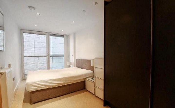 2 bed flat to rent in Admiral Tower  - Property Image 7