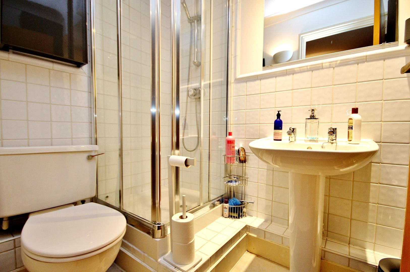 2 bed flat to rent in Wheel House  - Property Image 5