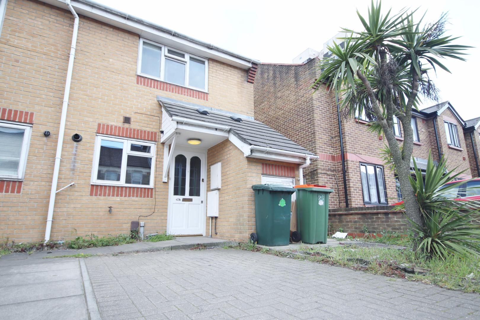 2 bed house to rent in Fernhill Street, E16