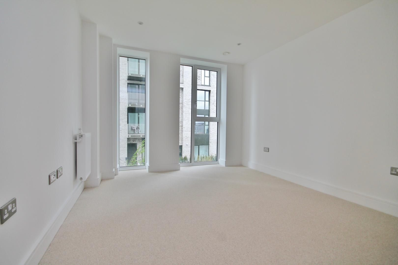 1 bed  for sale in Centurion Tower  - Property Image 4