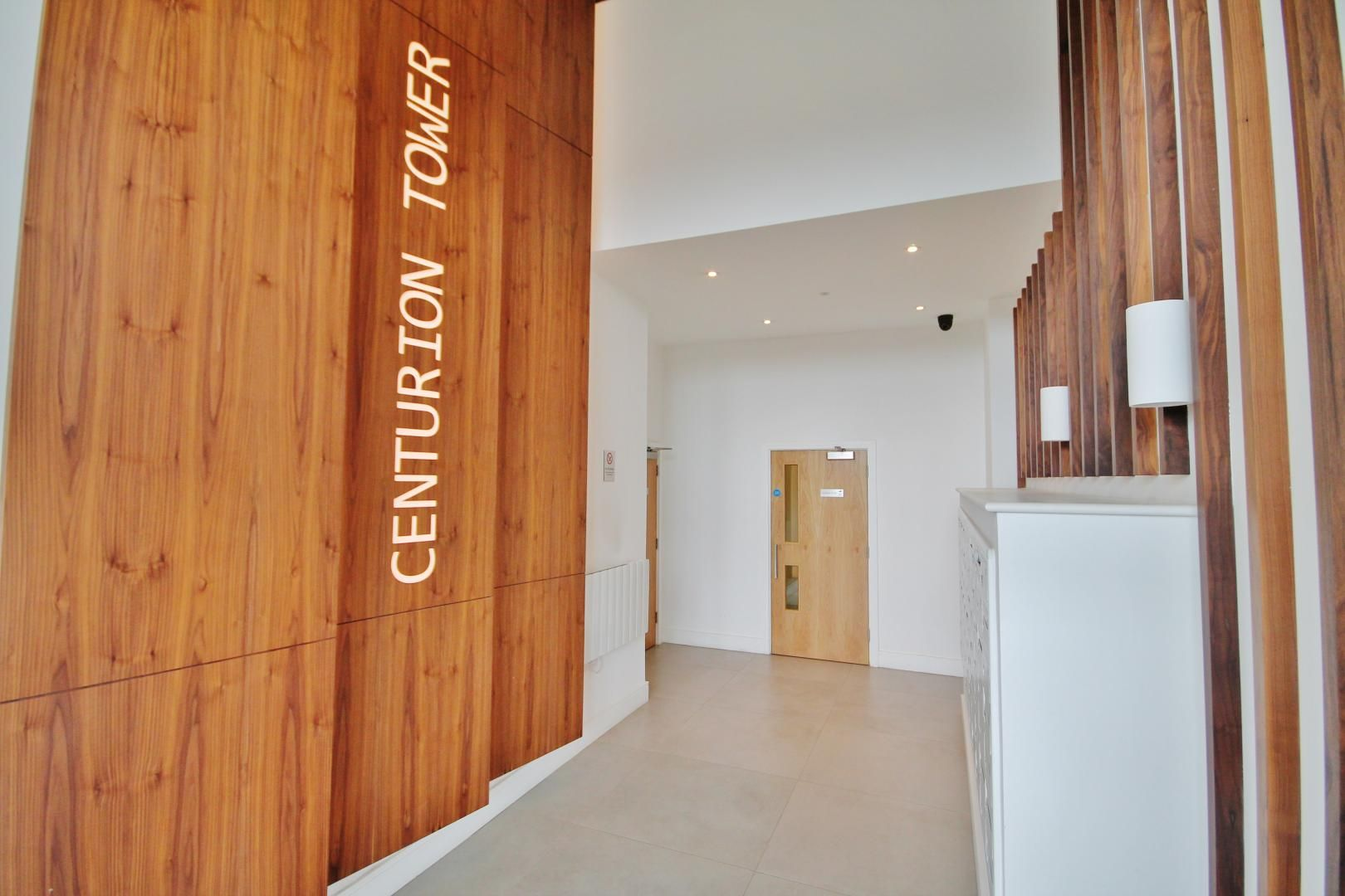 1 bed  for sale in Centurion Tower  - Property Image 7