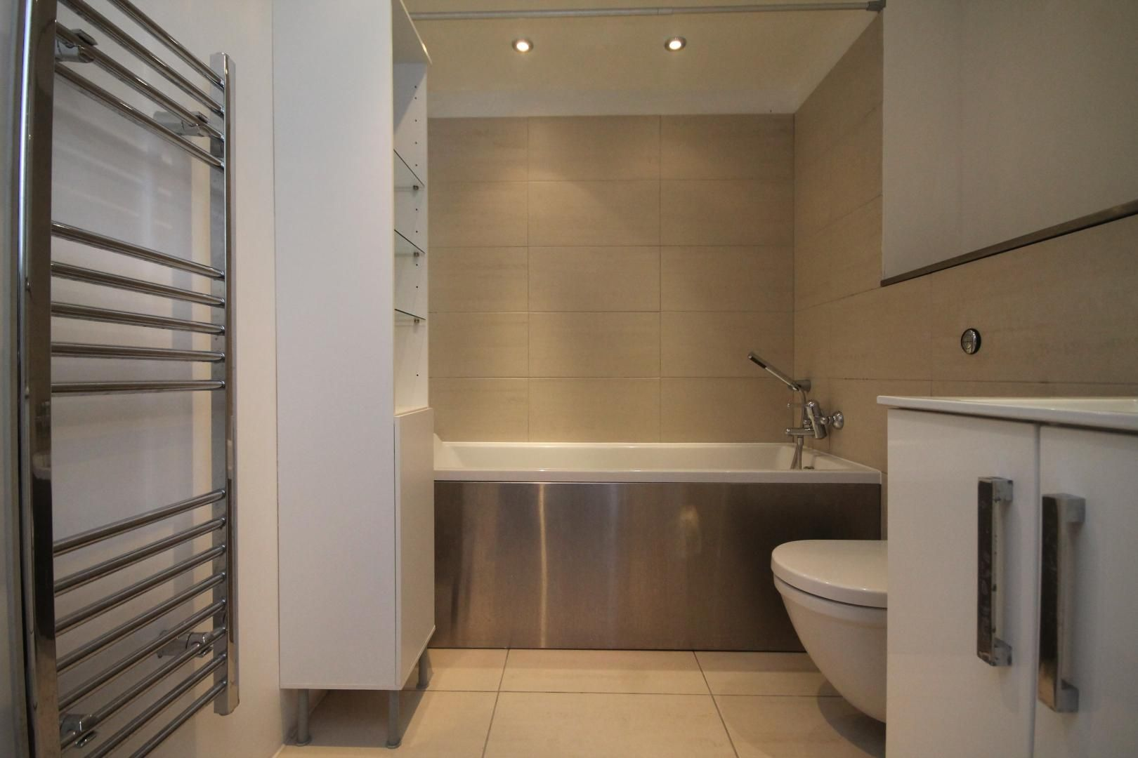 2 bed flat to rent in Lumina Building  - Property Image 5