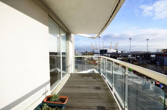 2 bed flat to rent in Lumina Building  - Property Image 7