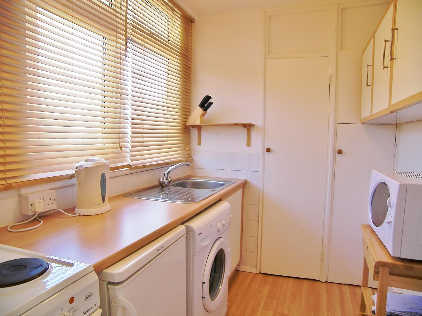 1 bed flat to rent in Castleton House  - Property Image 2