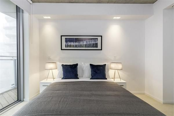 2 bed flat for sale in Hoola Tower West  - Property Image 5