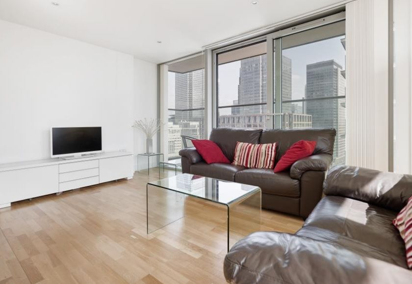 2 bed flat to rent in Landmark West Tower  - Property Image 2