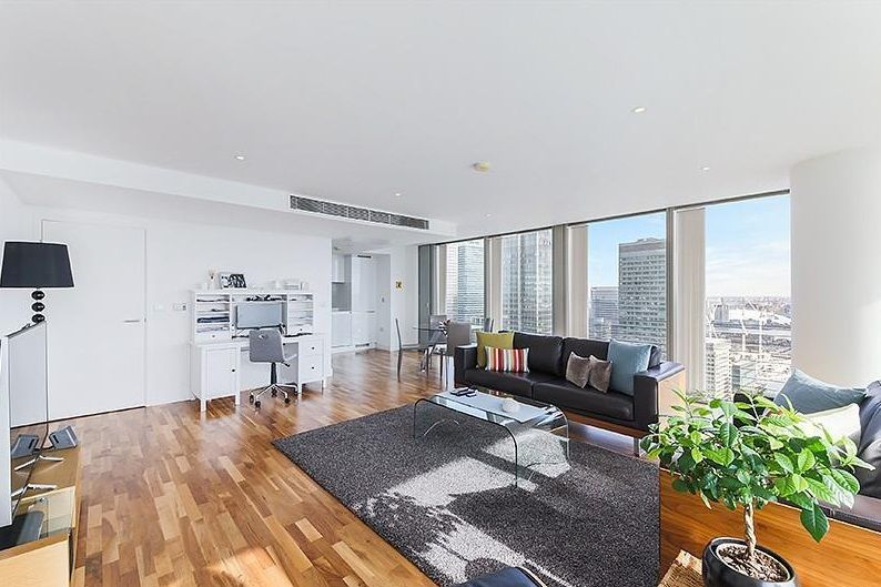 3 bed flat to rent in Landmark West Tower  - Property Image 1