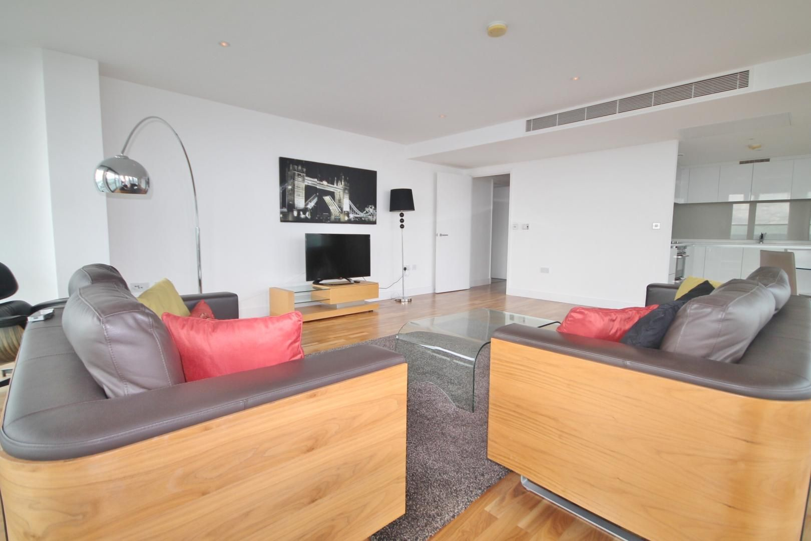 3 bed flat to rent in Landmark West Tower  - Property Image 5