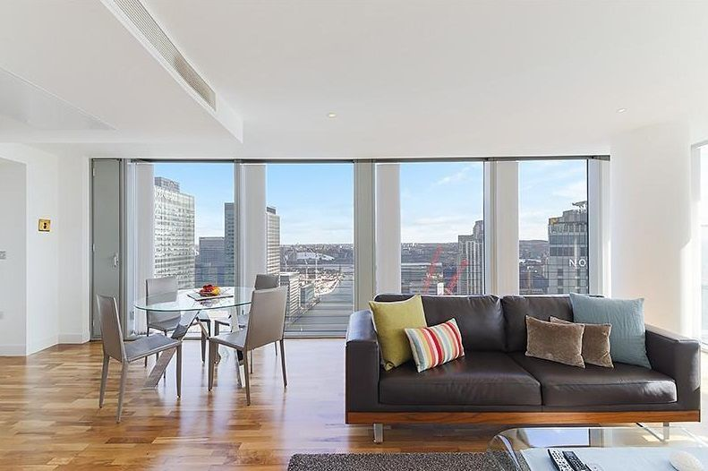 3 bed flat to rent in Landmark West Tower  - Property Image 6
