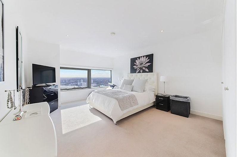 3 bed flat to rent in Landmark West Tower  - Property Image 9