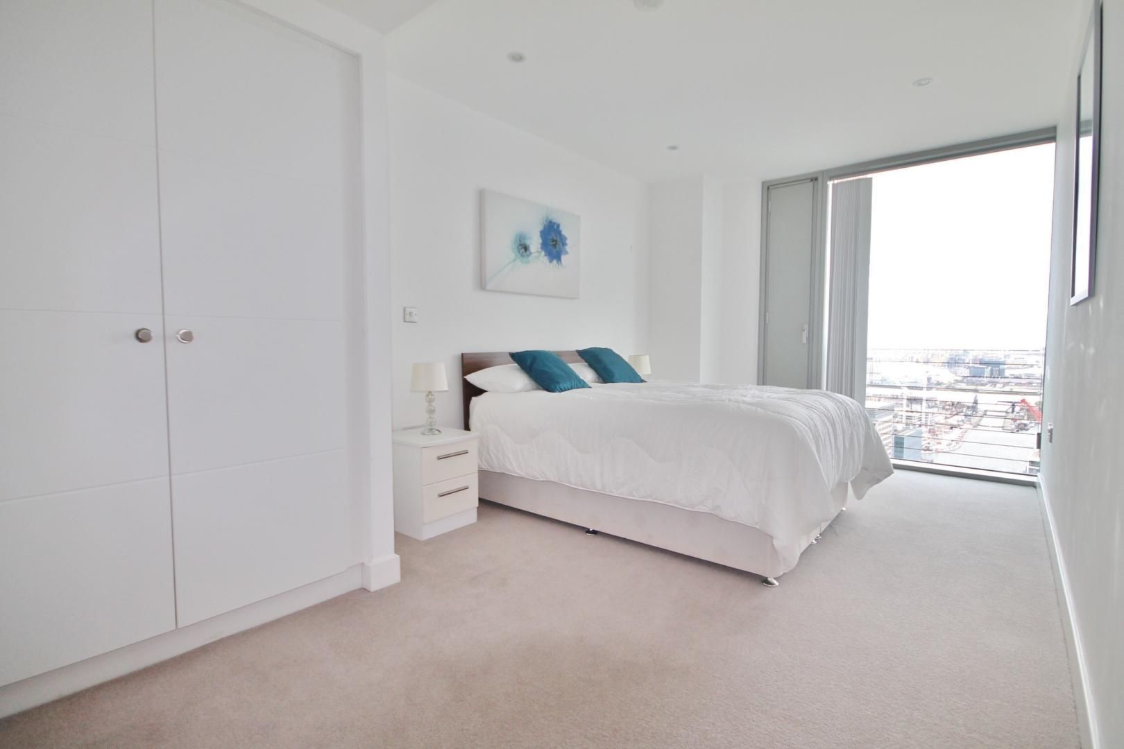 3 bed flat to rent in Landmark West Tower  - Property Image 10