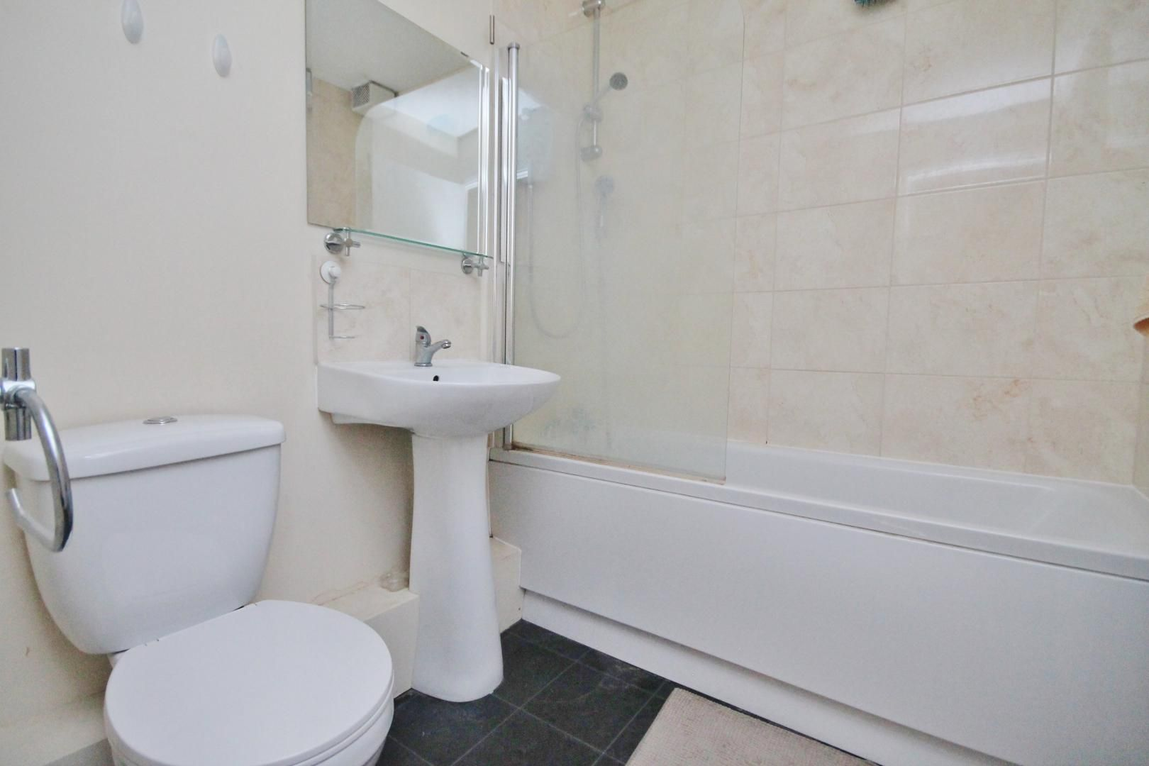 1 bed flat for sale in Telegraph Place  - Property Image 3
