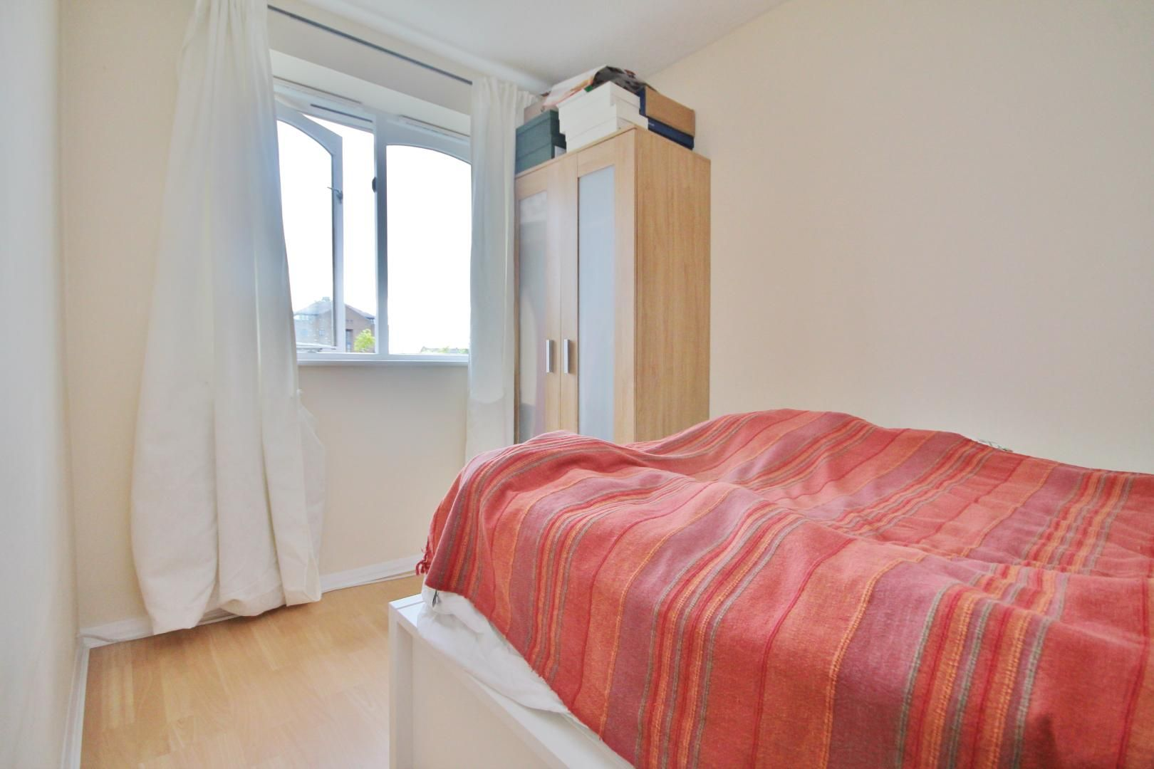 1 bed flat for sale in Telegraph Place  - Property Image 6