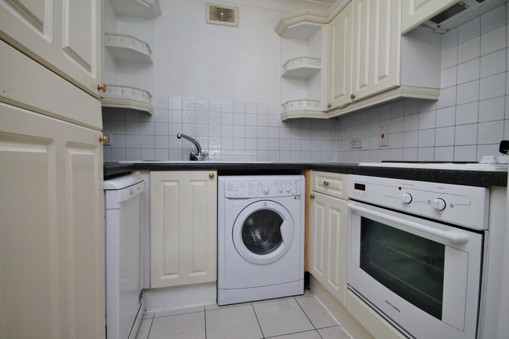 1 bed flat for sale in Wheel House  - Property Image 6