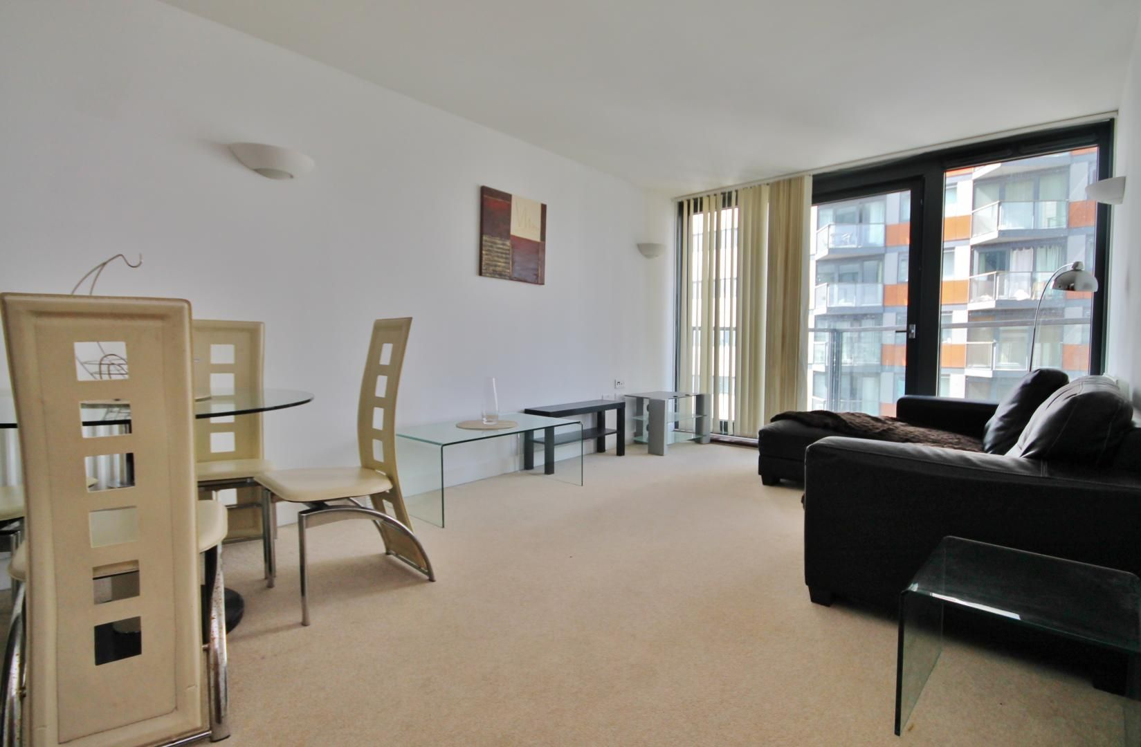 1 bed flat to rent in Neutron Tower, E14