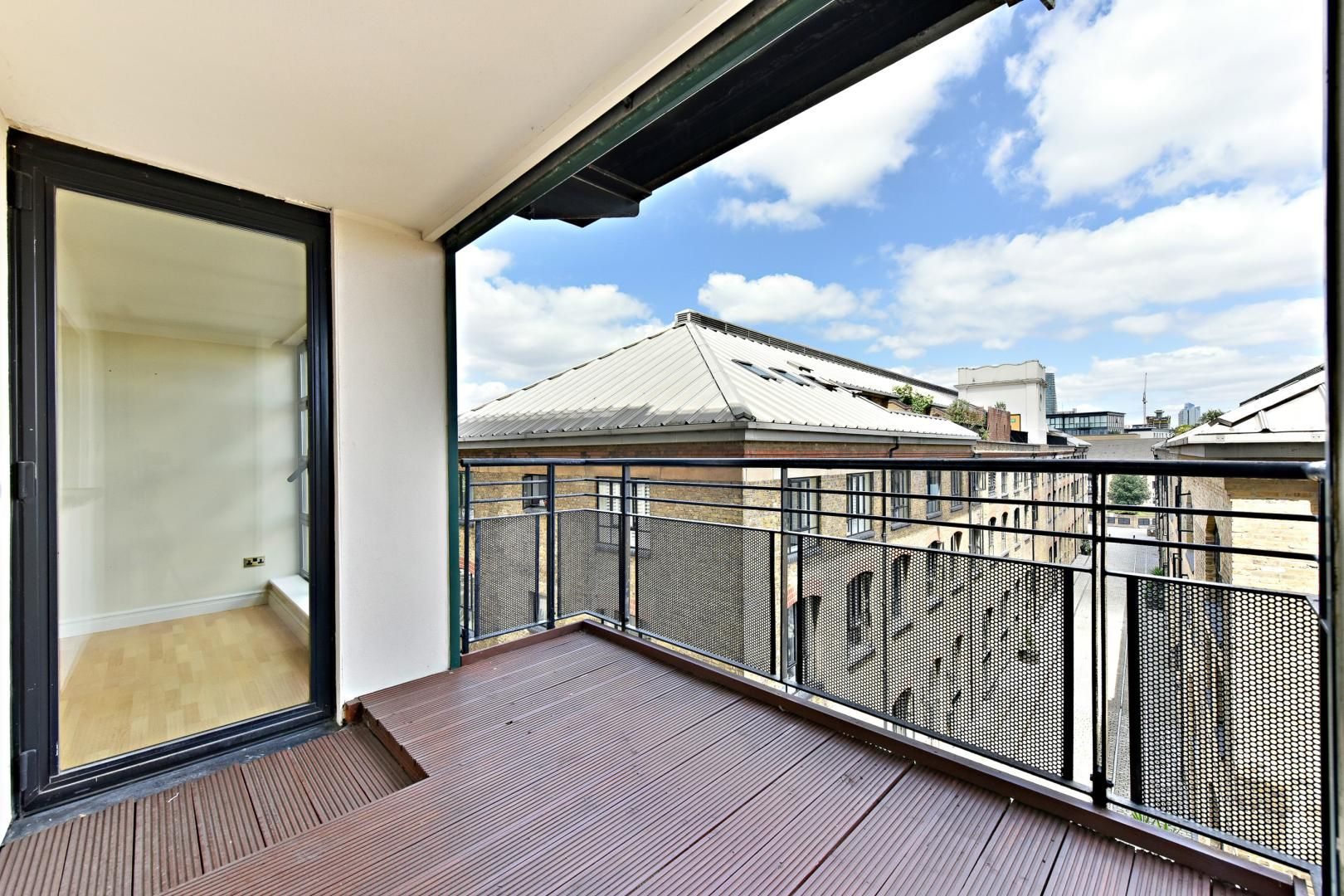 2 bed flat for sale in Wheel House  - Property Image 3