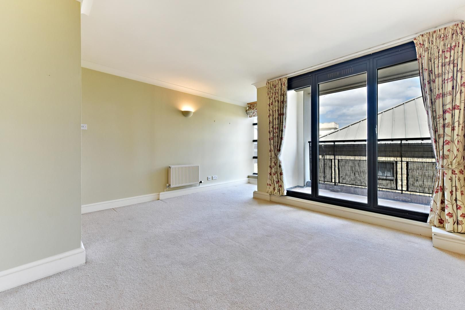 2 bed flat for sale in Wheel House  - Property Image 4