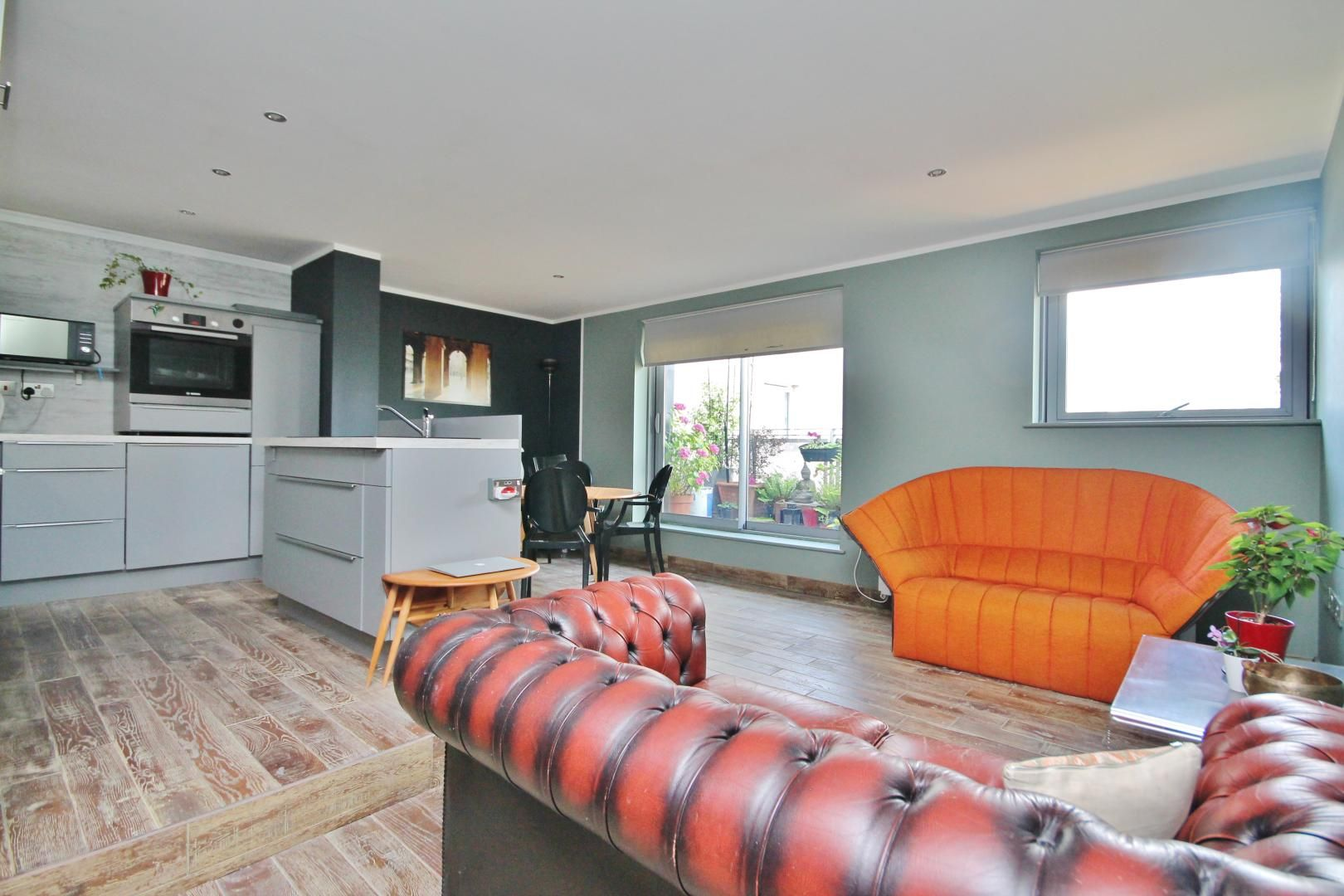 3 bed flat for sale in Newport Avenue, E14