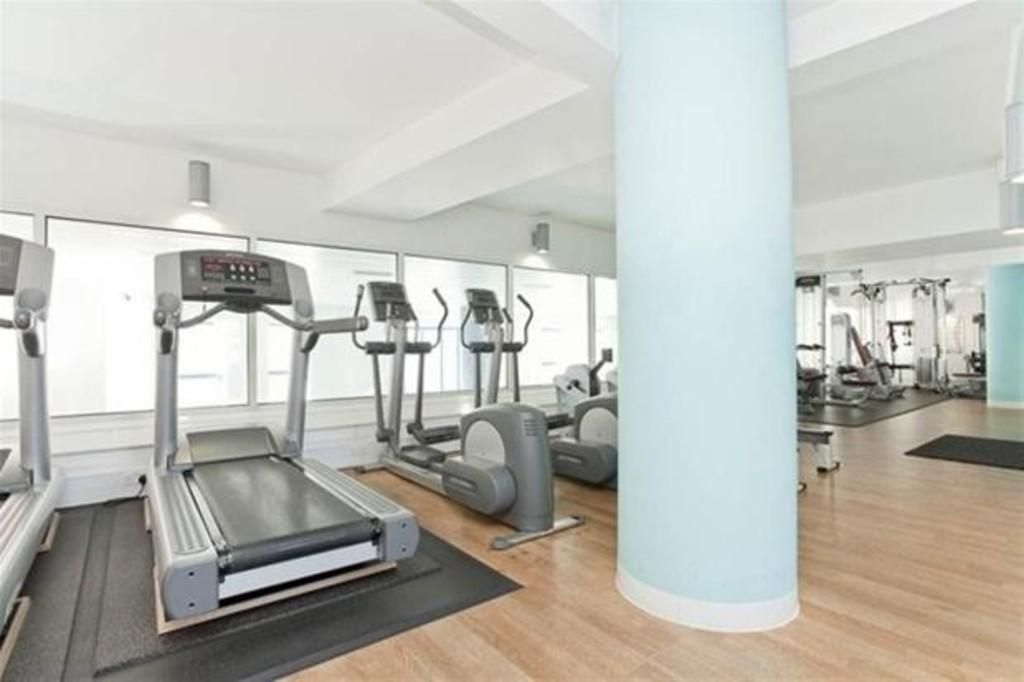 2 bed flat for sale in Westferry Road  - Property Image 6