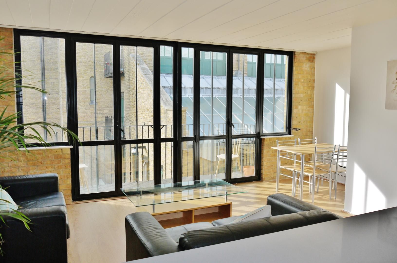 2 bed flat for sale in Beacon House  - Property Image 2