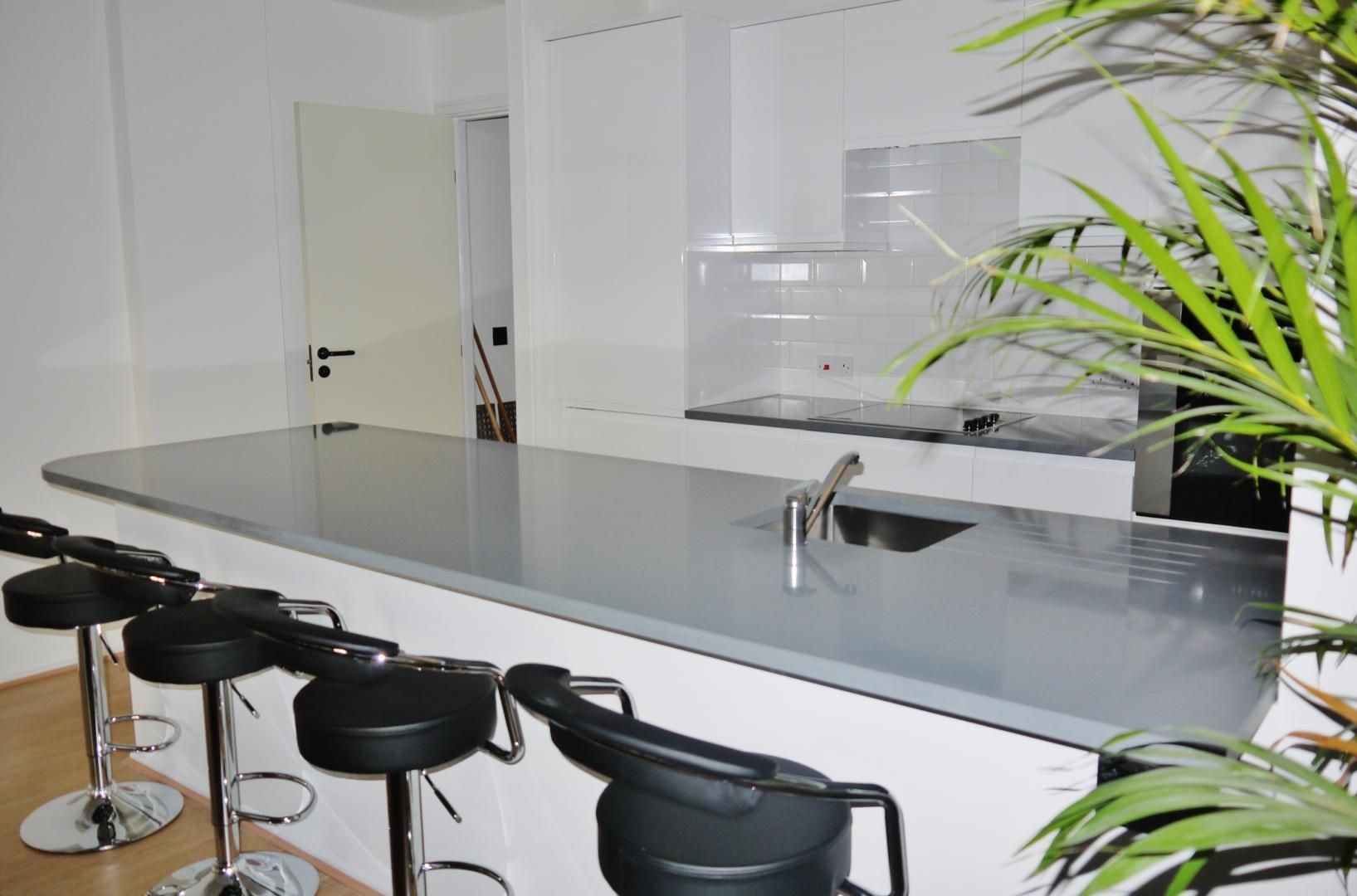 2 bed flat for sale in Beacon House  - Property Image 5