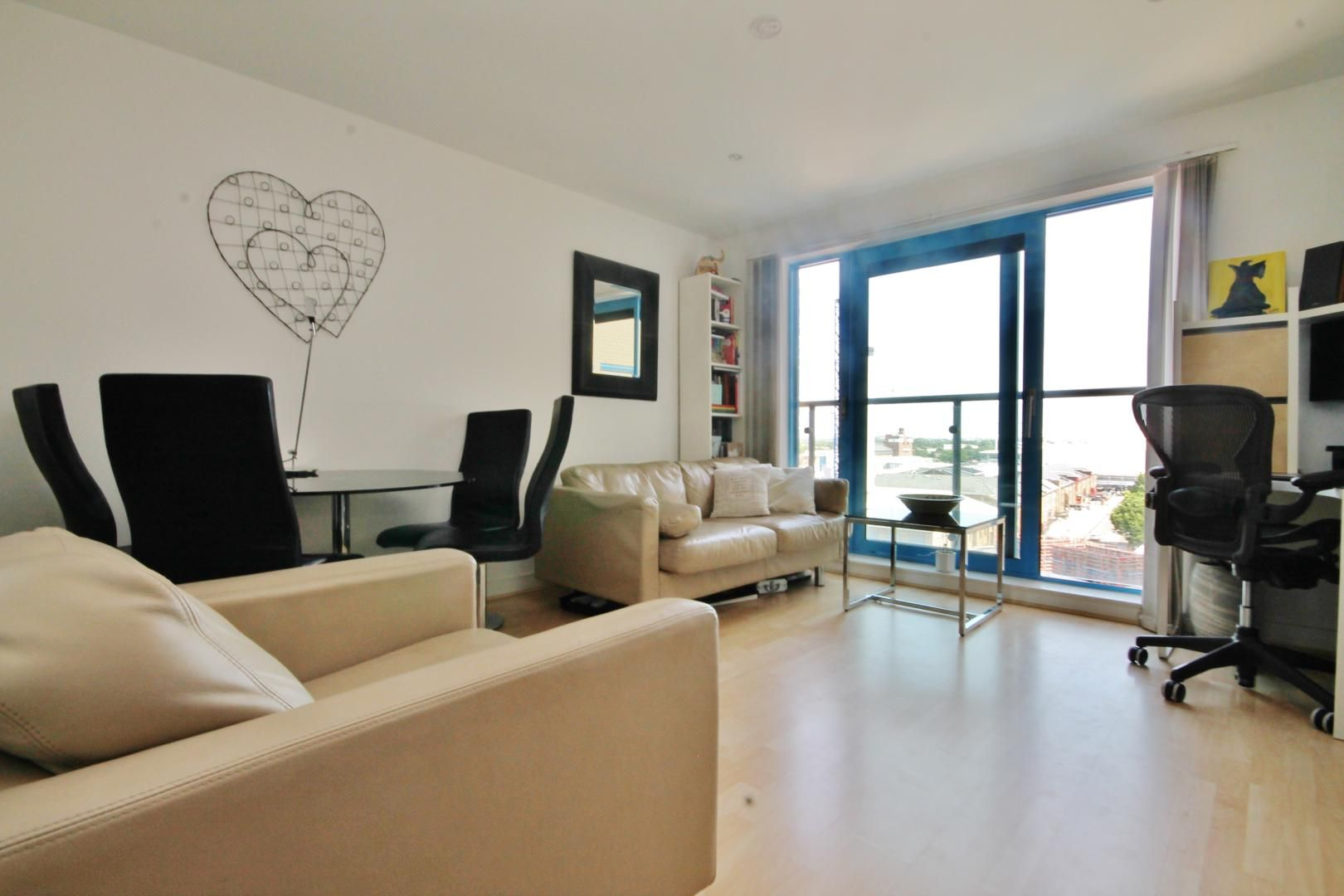 1 bed flat to rent in Western Gateway, E16