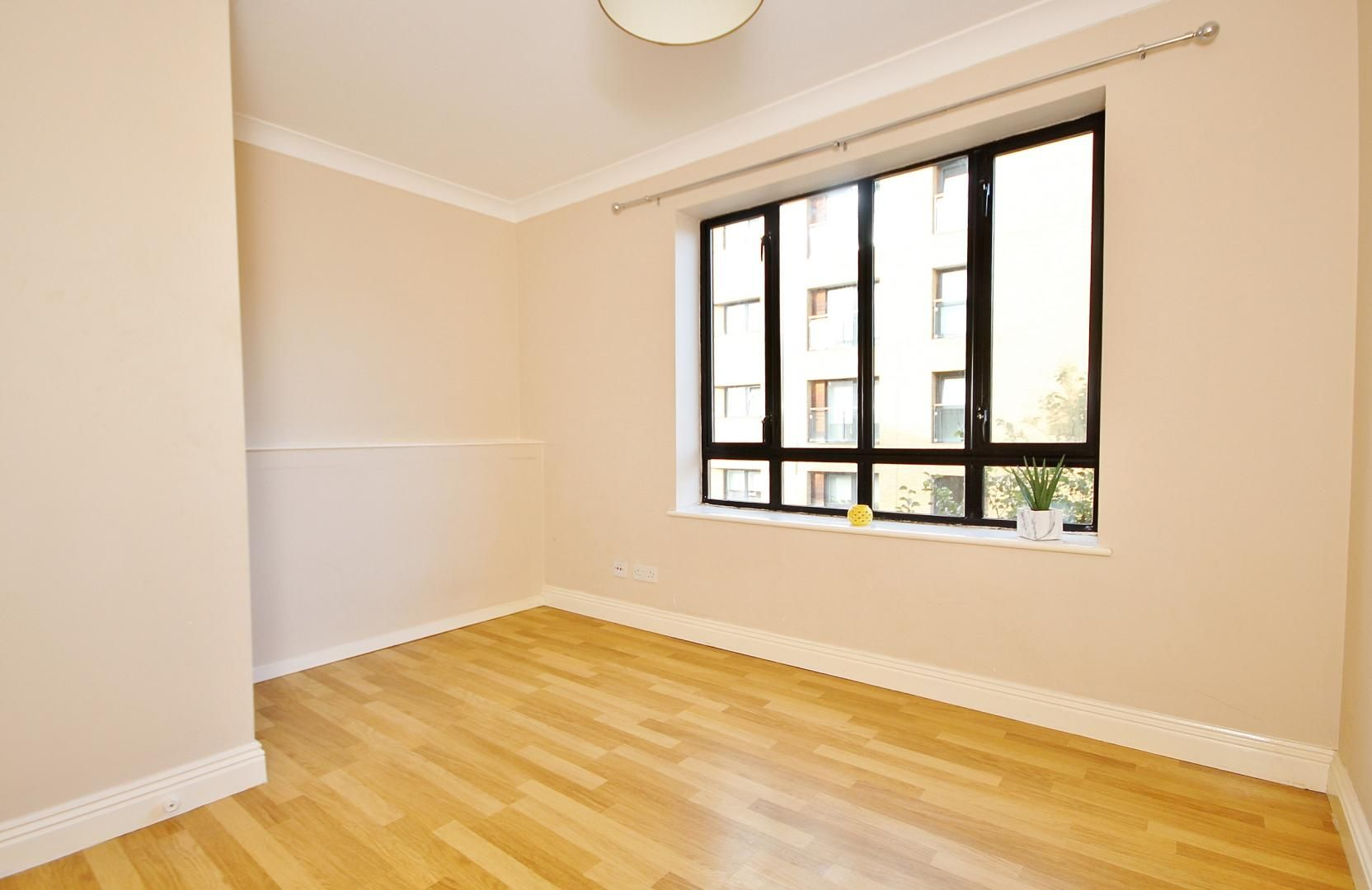1 bed flat to rent in Brunel House  - Property Image 3