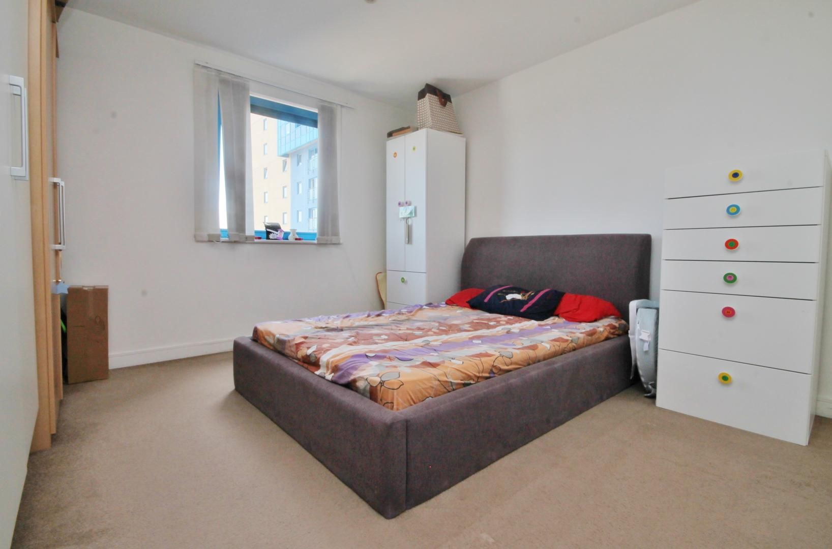 2 bed flat for sale in Western Gateway  - Property Image 6
