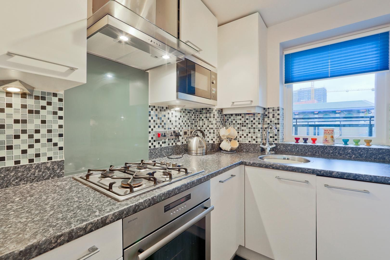 2 bed flat for sale in Galleons View  - Property Image 2