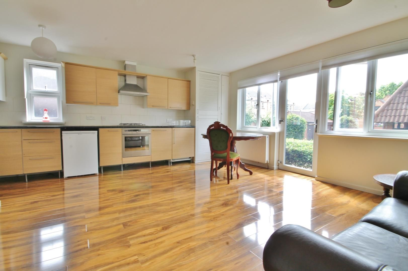 1 bed flat to rent in Leerdam Drive, E14