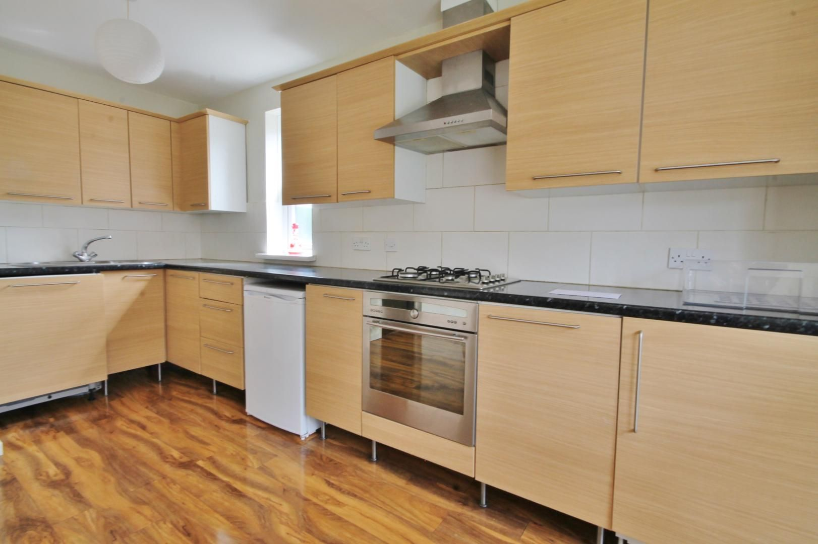 1 bed flat to rent in Leerdam Drive  - Property Image 2