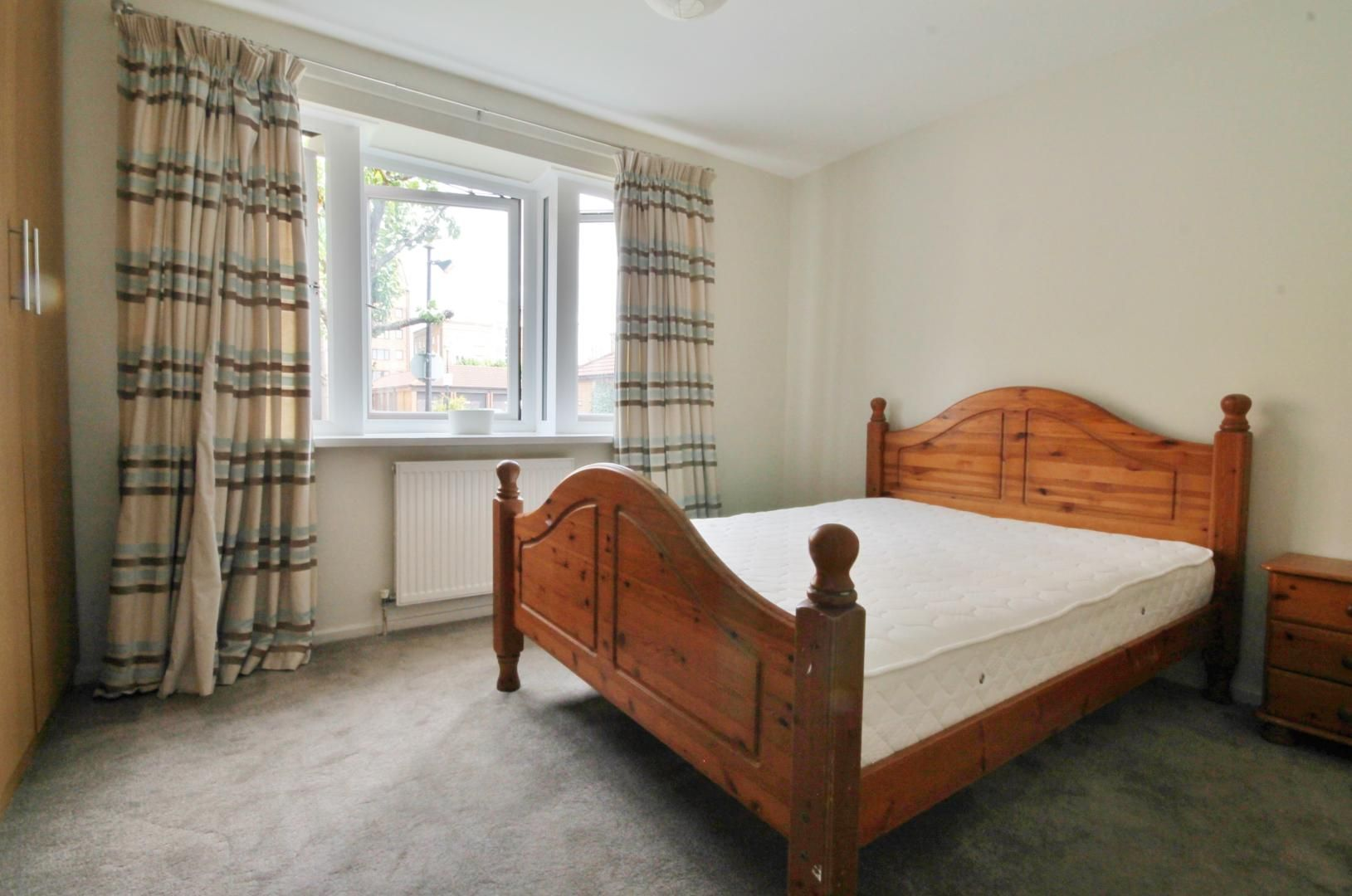 1 bed flat to rent in Leerdam Drive  - Property Image 4