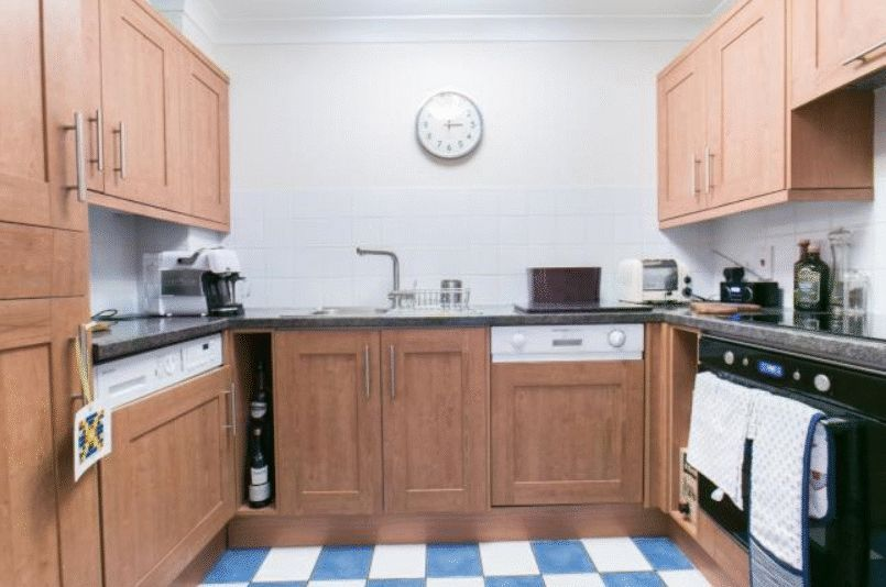 to rent in Brunel House  - Property Image 3